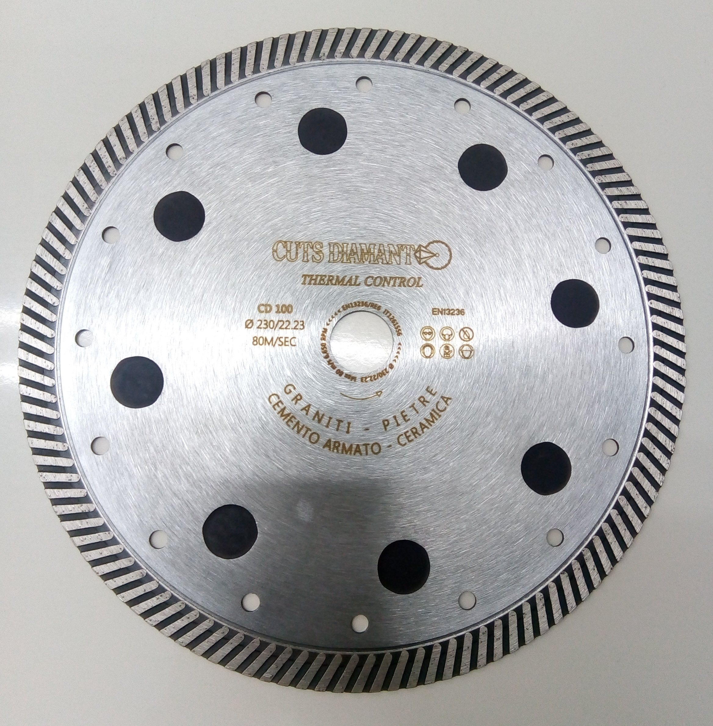 Diamond blade with thermal control